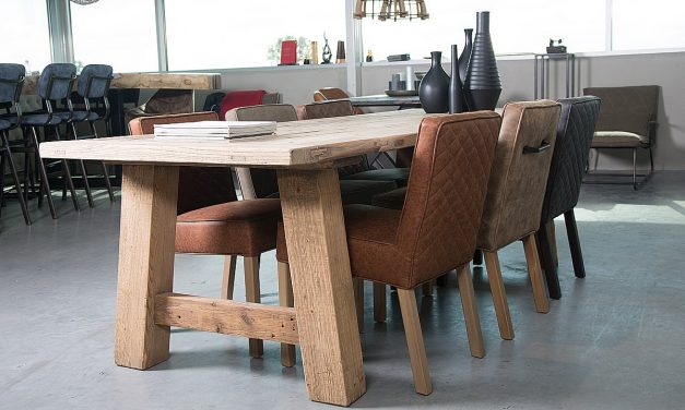 Een eikenhouten tafel kiezen bij je interieur