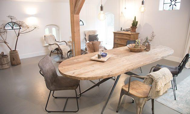 Eiken tafels van Meneer van Hout