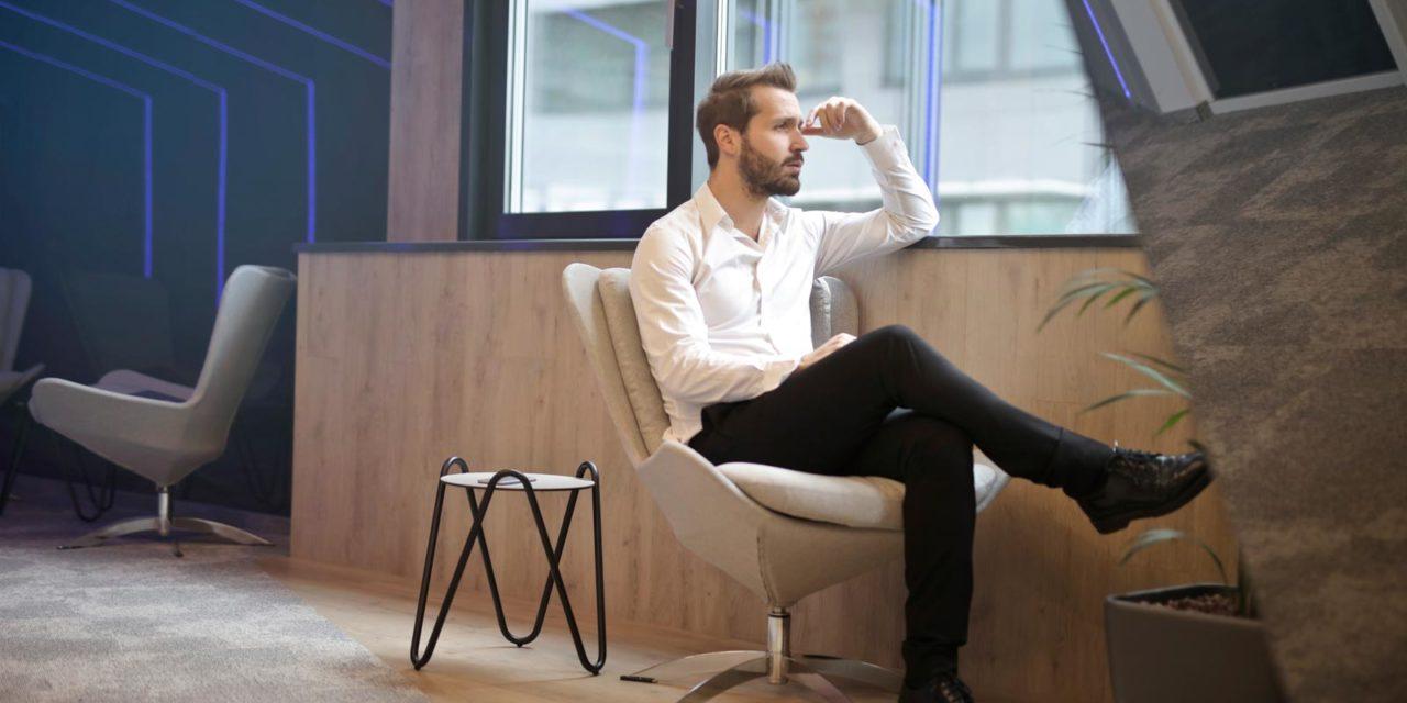 Lekker relaxt zitten op een fauteuil