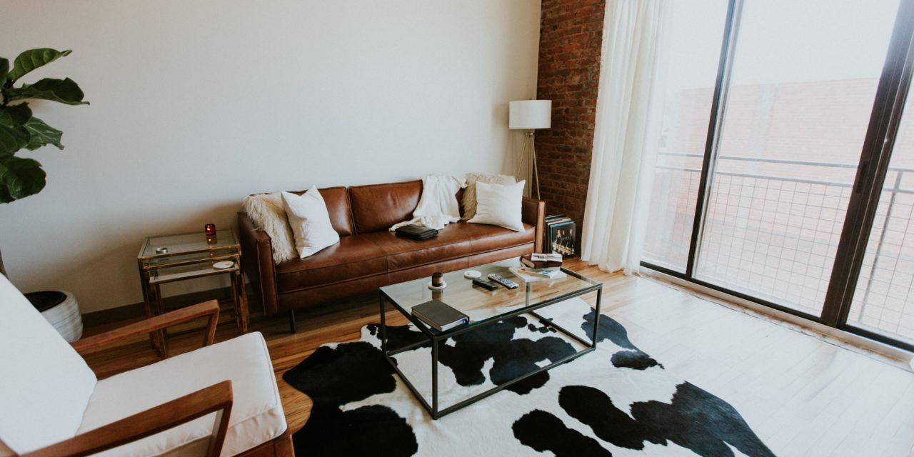 Een landelijke woonstijl in een modern appartement? Zo kan het!