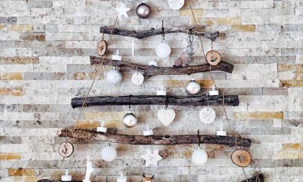 Mooie bijpassende klok vinden voor een landelijk interieur